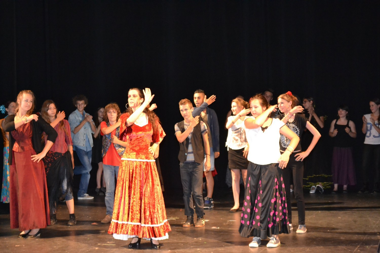 Ateliers flamenco au college de fraisans duende flamenco 1